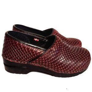 Sanita Danish Clogs Red Snakeskin Pattern Size 40
